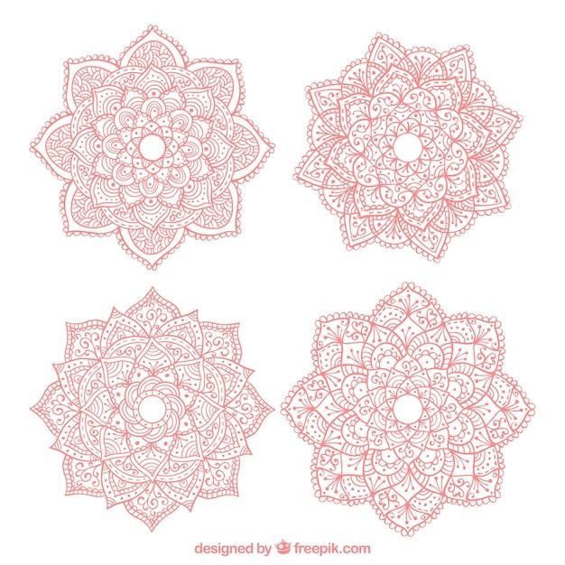 Cuatro Mandalas De Color Rosa Dibujados A Mano Descargar Vectores