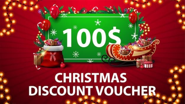 Cupón de descuento de navidad con trineo de papá noel y bolso con regalos, marco de guirnalda y oferta verde decorada con regalos Vector Premium