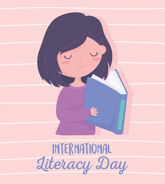 Día internacional de la alfabetización, libro de lectura de niña linda, fondo rayado Vector Premium