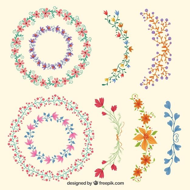 Dibujado a mano variedad de flores adornos Descargar Vectores Premium