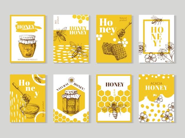 Dibujado a mano carteles de miel. envasado de miel natural con diseño de vector de abeja, panal y colmena Vector Premium