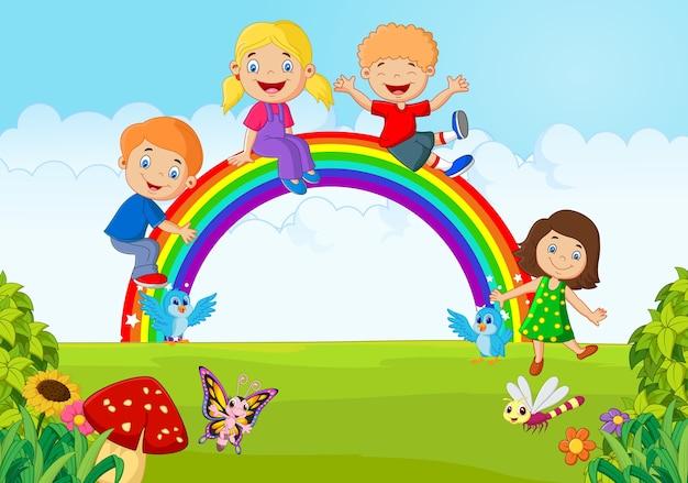 Dibujos Caras De Niños Felices Animadas: Dibujos Animados De Niños Felices Sentados En El Arco