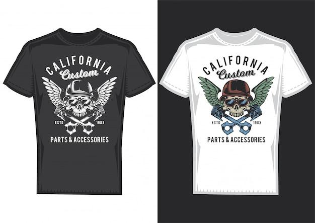 Diseño de camiseta en 2 camisetas con carteles de calaveras con cascos y alas. vector gratuito
