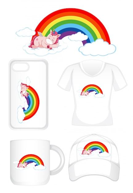 Diseño gráfico en diferentes productos con unicornio en arcoiris vector gratuito