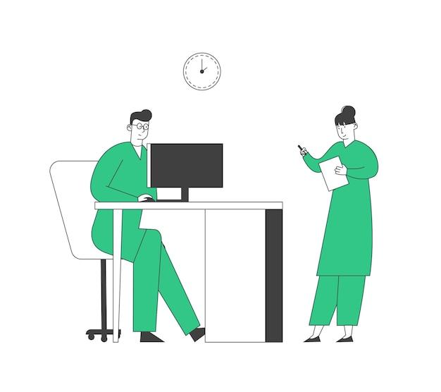 Doctor learning results of paciente mri brain scan en la pantalla del monitor de la computadora, enfermera stand cerca escribiendo información en el hospital. personal de la clínica en el trabajo Vector Premium