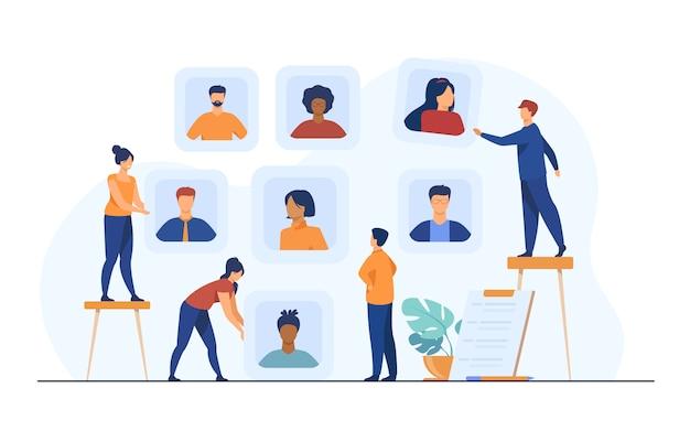 Empleadores que eligen candidatos para la entrevista de trabajo vector gratuito