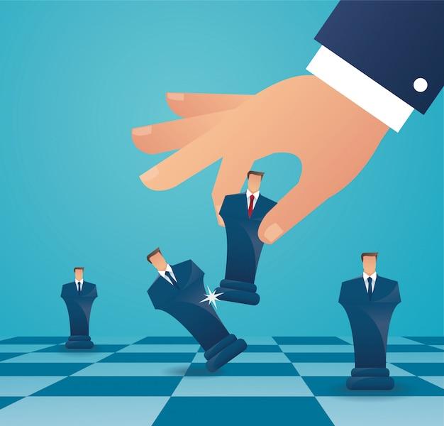 Empresario juega ajedrez figura Vector Premium