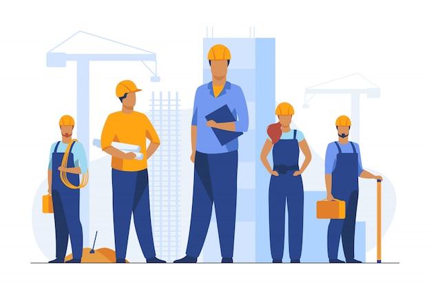 Equipo de construcción trabajando en el sitio vector gratuito
