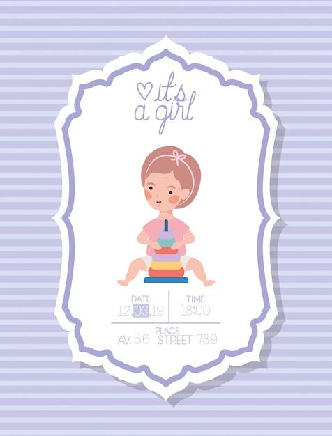 Es una tarjeta de baby shower de niña con niño pequeño y anillos de juguete de pila vector gratuito