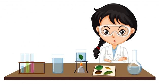 Escena del aula con estudiante de ciencias haciendo experimento vector gratuito