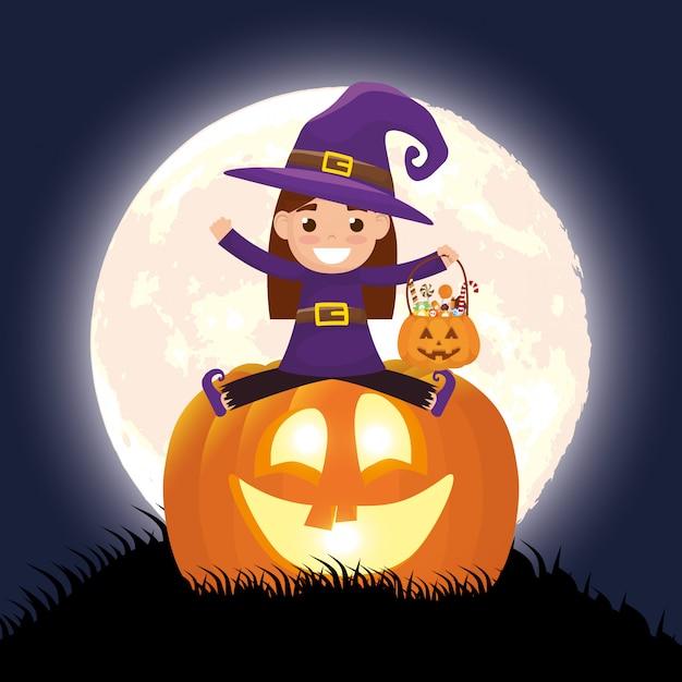 Escena oscura de halloween con calabaza y niño disfrazado de bruja vector gratuito