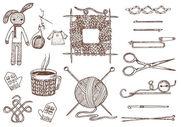 Establecer herramientas para tejer o crochet y materiales o elementos para costura. club de costura. hecho a mano para bricolaje. sastrería. hilo y lana natural de oveja casera, enredada con agujas. grabado dibujado a mano. Vector Premium