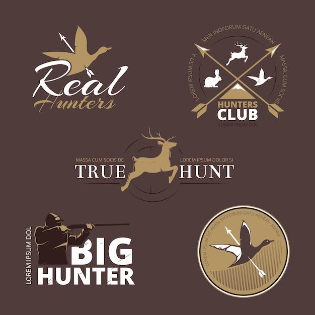 Etiquetas vectoriales con pato, ciervo, liebre, pistola y cazador. caza con pistola, caza de patos, caza de emblemas, cazador de logotipos, etiqueta de insignia de caza, club de cazadores, ilustración de animales de caza vector gratuito