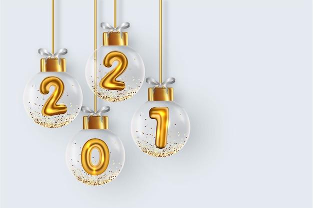 Fondo 2021 con bolas navideñas realistas vector gratuito