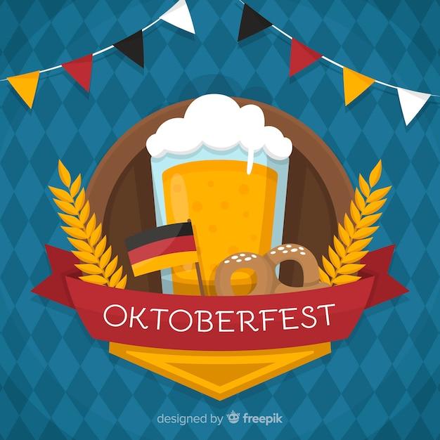 Fondo del oktoberfest con una jarra cerveza en diseño plano vector gratuito
