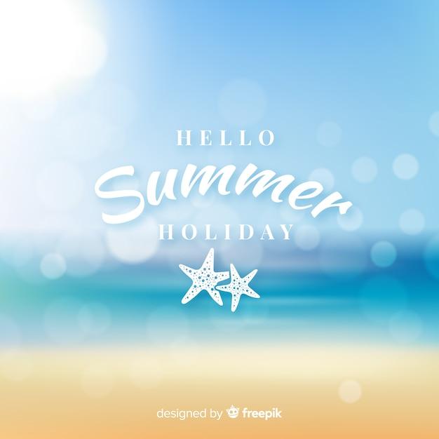 Fondo realista  y desenfocado de bienvenida al verano vector gratuito