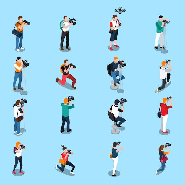 Fotógrafos y camarógrafos de conjunto isométrico. vector gratuito