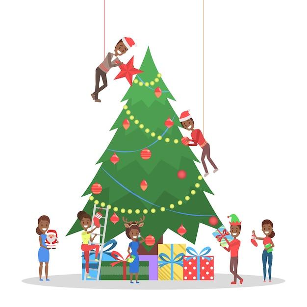 Gente decorando un gran árbol de navidad. personajes felices preparándose para la celebración del año nuevo. chicos con regalo y bebiendo champán. ilustración Vector Premium