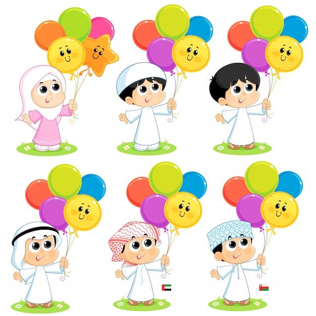 Un grupo de niños musulmanes está celebrando eid y llevando globos de colores Vector Premium
