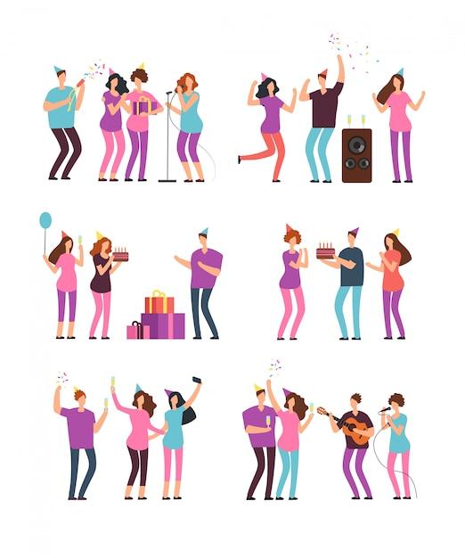 Grupos de personas en la fiesta de cumpleaños familiar con petardo, pastel y globos. vector de dibujos animados personajes mínimos aislados Vector Premium