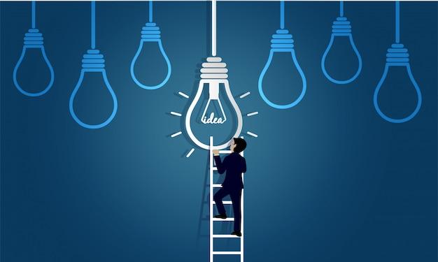 El hombre de negocios que camina para arriba en escalera va a la lámpara. destino, victoria al concepto de éxito empresarial con bombilla de idea. Vector Premium