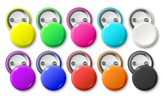 Insignia de botón circular, etiqueta de insignias fijas redondas, botones de pinback de metal y maqueta aislada realista de etiqueta colorida Vector Premium