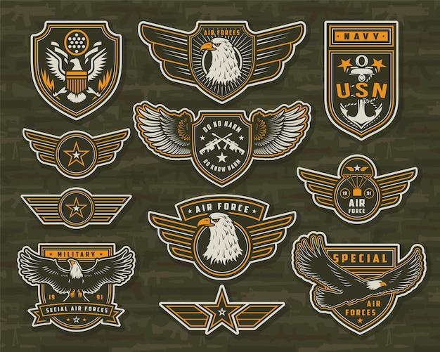 Insignias e insignias vintage de las fuerzas armadas vector gratuito