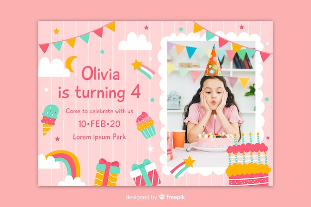 Invitación de cumpleaños con foto en un cuadrado vector gratuito