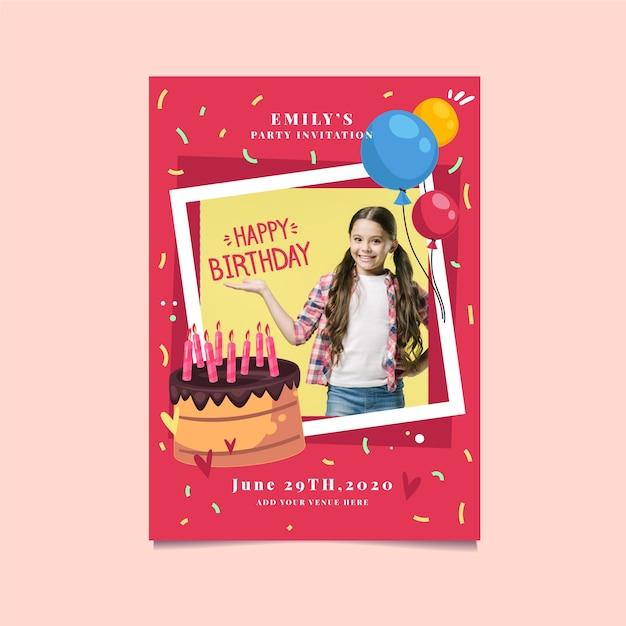 Invitación de cumpleaños linda chica y pastel Vector Premium