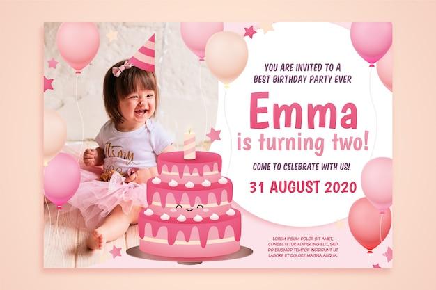 Invitación a fiesta infantil y niña pequeña vector gratuito
