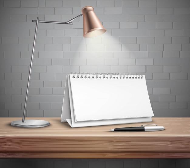 Lámpara y pluma de calendario de escritorio de papel espiral en blanco vector gratuito