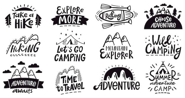 Letras de cita de aventura. emblema de montañas para acampar al aire libre, insignias de expedición de senderismo, conjunto de ilustraciones de viajes por la naturaleza. afiche con el logotipo y el emblema de la expedición, vacaciones de silueta y exploración Vector Premium