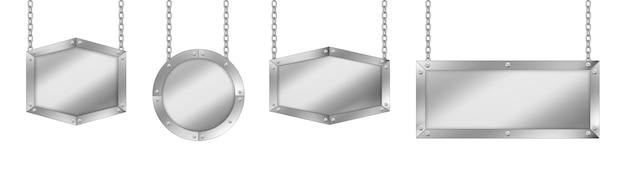 Letreros metálicos de diferentes formas, tablero con estructura de acero colgando de cadenas. vector gratuito