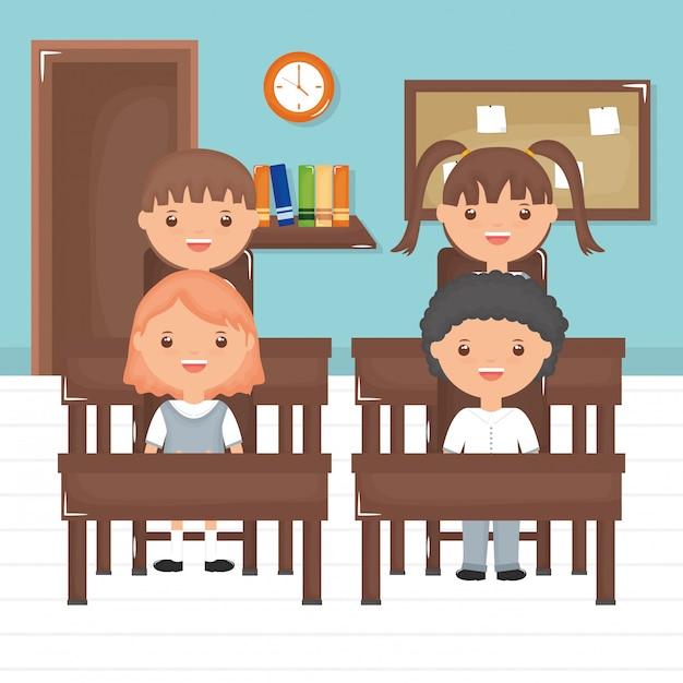 Lindo grupo de pequeños alumnos en el aula. vector gratuito
