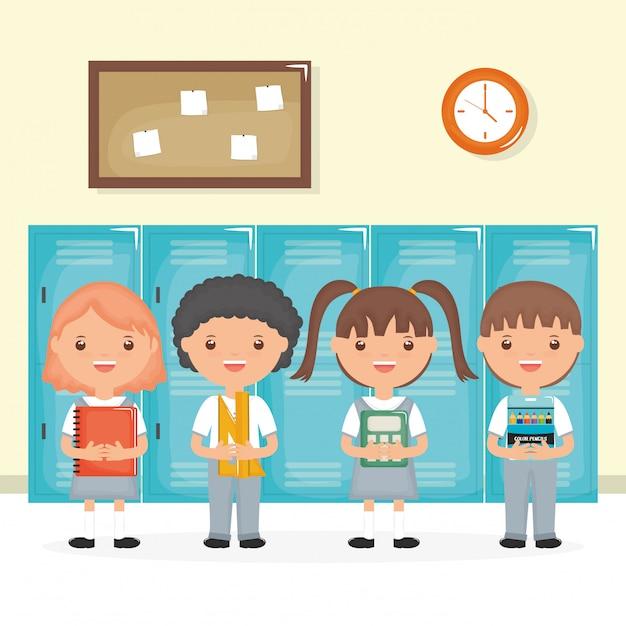 Lindo grupo de pequeños estudiantes en la escena de la escuela. vector gratuito