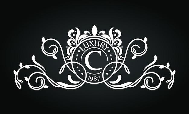 Logo con diseño de adorno vector gratuito