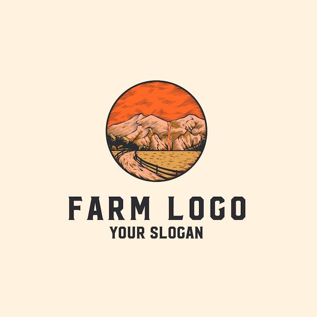 Logo de granja con montañas Vector Premium