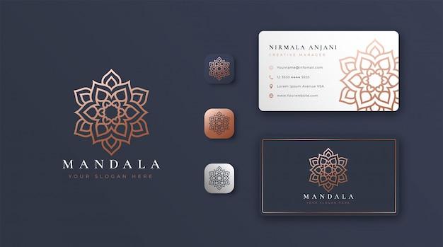 Logo de mandala dorado con tarjeta de visita Vector Premium