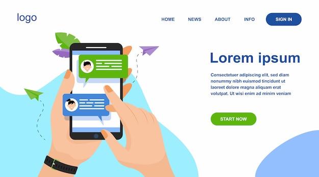 Mano que sostiene el teléfono móvil con mensajes en línea vector gratuito