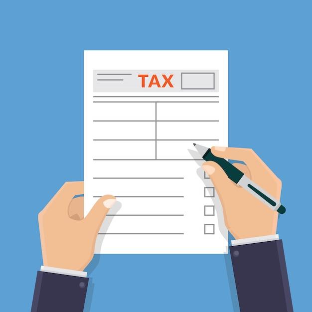 Mano sosteniendo formulario de impuestos y escribiendo formulario de impuestos diseño plano ilustración vectorial Vector Premium