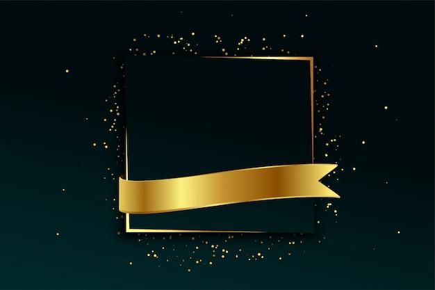 Marco dorado y fondo de cinta con espacio de texto vector gratuito