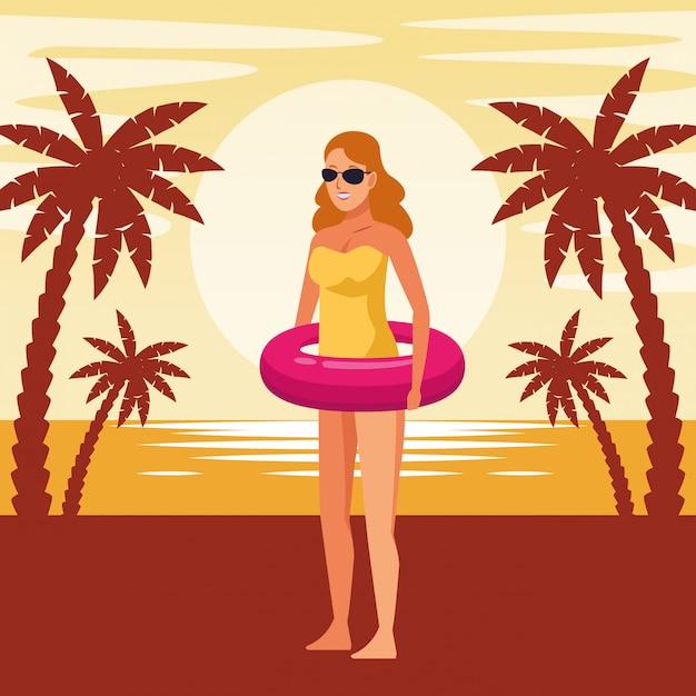 Mujer joven en traje de baño de dibujos animados vector gratuito