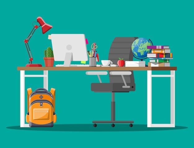 Niño de mesa para niños en casa para aprender y estudiar. deberes del colegio. Vector Premium