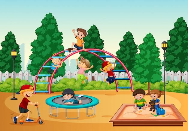 Niños en escena de playgrond vector gratuito