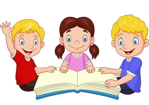 Niños Felices De Dibujos Animados Leyendo Un Libro