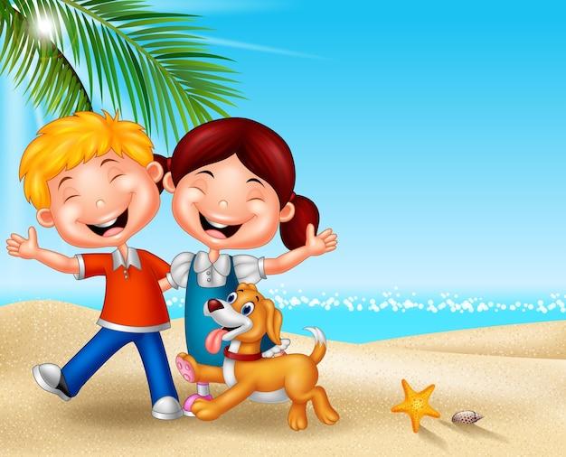 Niños Felices De Dibujos Animados En La Playa Descargar Vectores