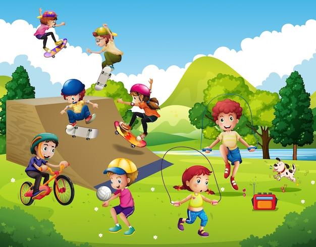 Deportes Diferentes Deportes: Niños Jugando Diferentes Deportes En El Parque