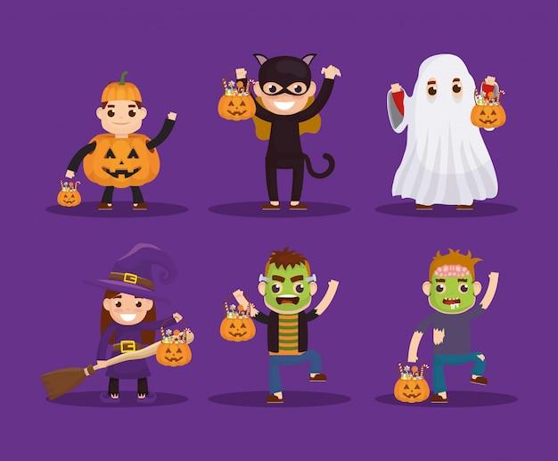 Niños pequeños con personajes disfrazados vector gratuito