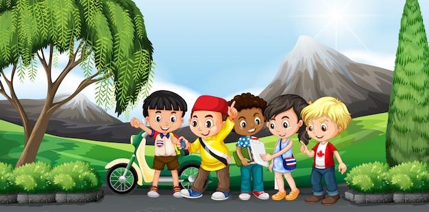 Niños de pie en el parque vector gratuito