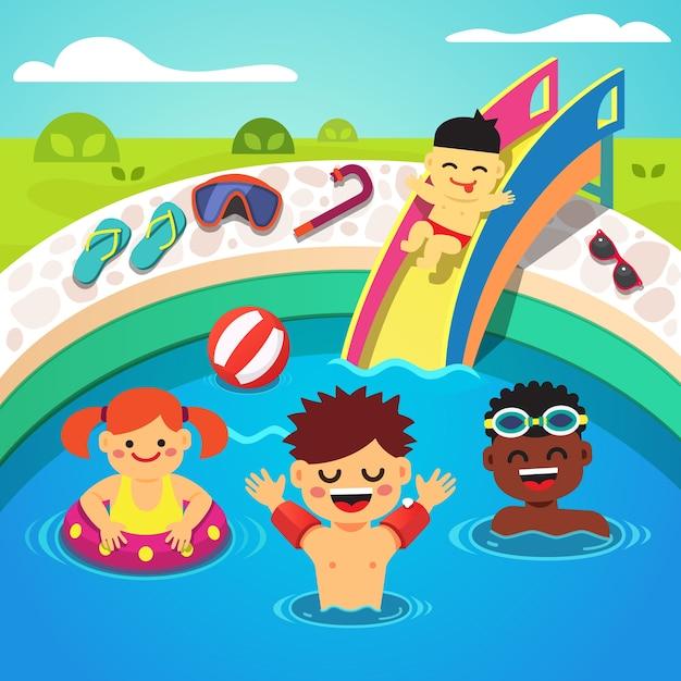 Ni os que tienen una fiesta en la piscina nataci n feliz for Clases de piscina para ninos
